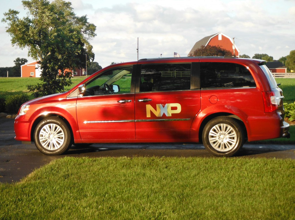ARKAMYS and its partner NXP in a van in Detroit - Oct 5-6